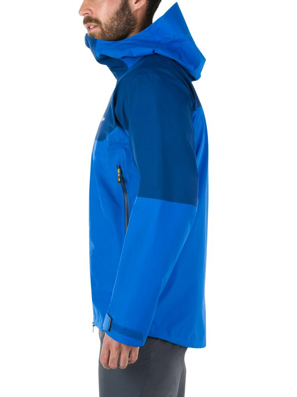 berghaus EXTREM 5000 WATERPROOF JACKET side resistant and abrasion